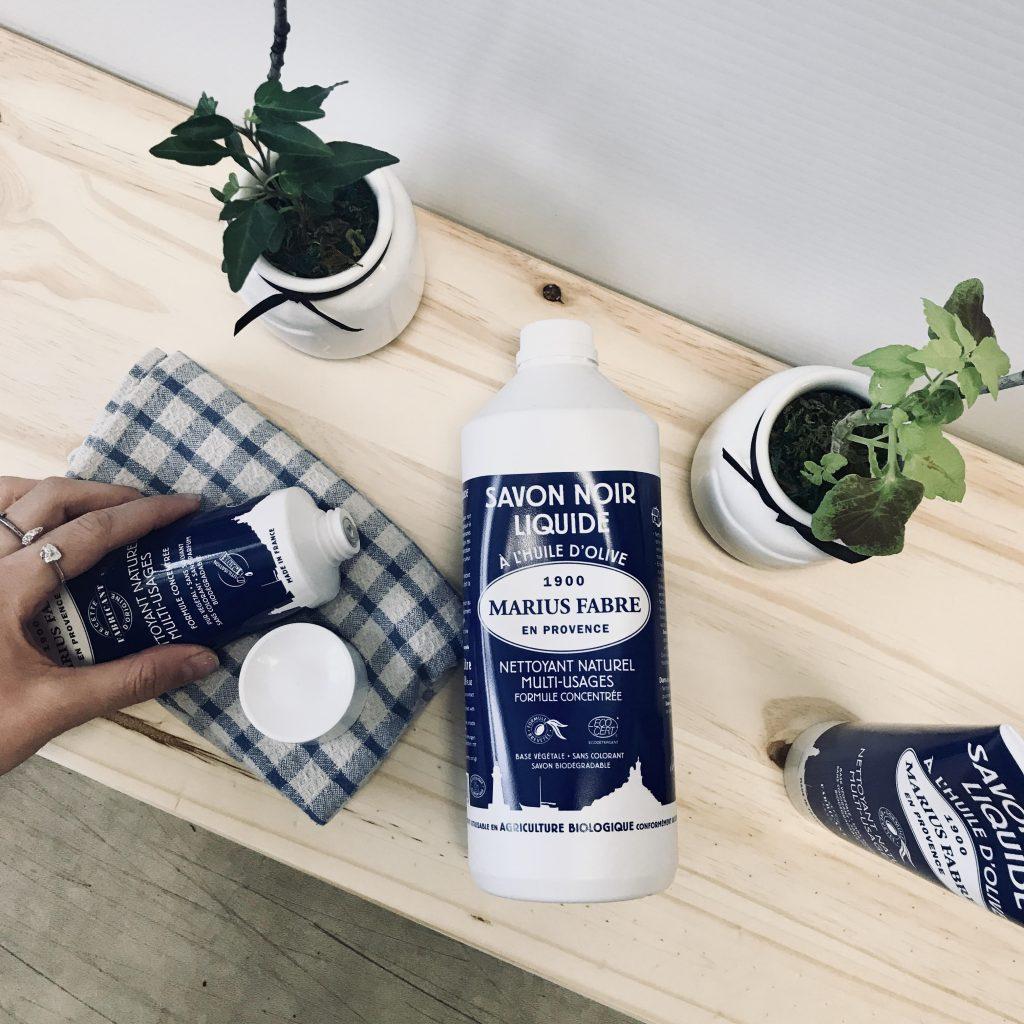 Le savon noir : un produit multi-usages. Photo: Mélissa Cavana